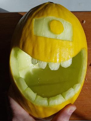 Eye peeled - Minion Melon - Dynamic Dad