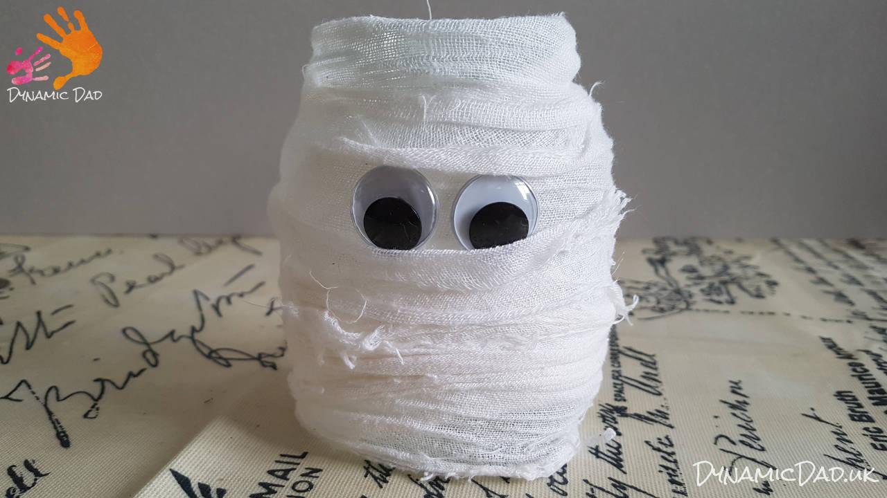 Finished halloween mummy lanterns and luminaires - Dynamic Dad