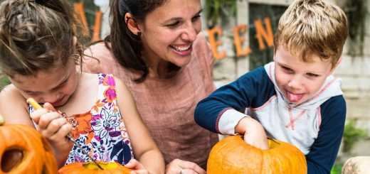 Halloween pumpkin carving essentials - dynamic dad
