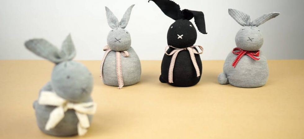 super simple easter bunny crafts for kids no sew sock bunny